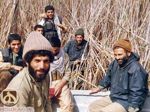 از اخر علی امانی و راست شهید حاج حسین بصیر  و شهید کاظمی راست